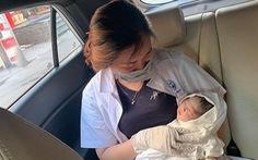 2 chiến sĩ trực chốt COVID-19 giúp sản phụ sinh con, gia đình đặt tên bé là Công An