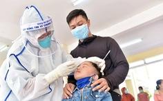 Trường phải bố trí lực lượng đi cùng khi học sinh tiêm vắc xin