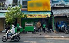 Gặp người 'xỉu' giữa đường, dân Sài Gòn chẳng nề hà COVID-19 cứu giúp