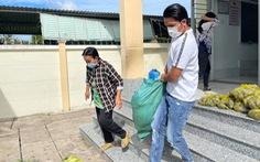 Diễn viên Minh Luân, Lê Minh Thành về quê, tham gia chống dịch
