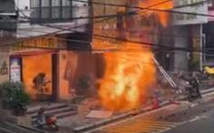 Cháy lớn kèm nhiều tiếng nổ tại cửa hàng gas ở Sa Pa