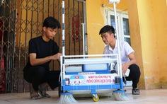 Sáng chế robot hỗ trợ bác sĩ chống dịch