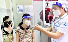 Bệnh viện Từ Dũ tiêm vắc xin COVID-19 cho các bà bầu