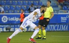 Benzema lập cú đúp giúp Real Madrid khởi đầu thuận lợi