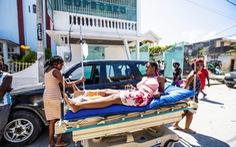 Chùm ảnh thảm họa động đất ở Haiti, hơn 300 người chết