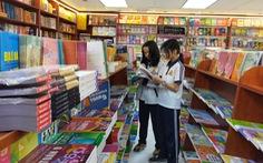 Đề nghị sách giáo khoa là hàng thiết yếu, tạo điều kiện đến tay học sinh