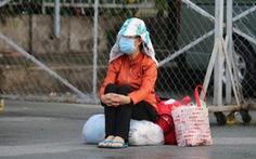 Người già, phụ nữ mang thai mắc kẹt ở TP.HCM, xúc động ngày trở về quê