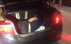 Mở cốp một xe hơi từ Đồng Nai ra Bắc Ninh, CSGT thấy một người Trung Quốc