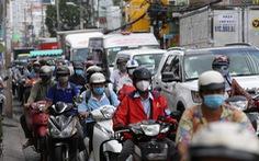 Xe đông nườm nượp, cảnh sát giao thông mất 6 giờ điều tiết một ngã tư tại TP.HCM