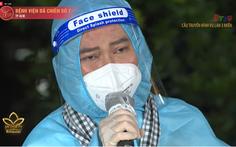 Quốc Đại mồ hôi nhễ nhại hát về cha mẹ, Trần Mạnh Tuấn lỗi hẹn biểu diễn tại bệnh viện dã chiến