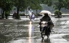 Bắc Bộ kết thúc nắng nóng nhờ đợt mưa lớn, Nam Bộ mưa dông gia tăng