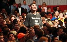 Người khiến 'Obama phải ngước nhìn khi bắt tay' đã qua đời