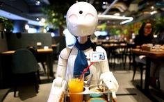 Quán cà phê robot do người khuyết tật điều khiển