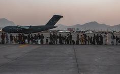 Nhà thầu Mỹ bị chỉ trích vì bán vé 'bao rời khỏi Afghanistan'