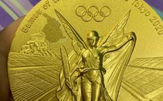 VĐV Trung Quốc tố huy chương vàng Olympic Nhật trao bị bong tróc
