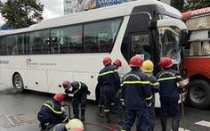 Xe chở bác sĩ va chạm xe công nhân trên đường Trần Hưng Đạo