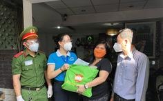 Quận Phú Nhuận hỗ trợ người nước ngoài khó khăn do dịch COVID-19