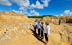 Tạm đình chỉ công tác chủ tịch xã vì để xảy ra khai thác đất, cát trái phép