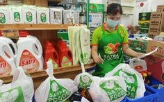 Chuyện về lực lượng đi chợ hộ ở một siêu thị