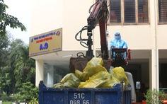TP.HCM mỗi ngày thu gom gần 78 tấn rác liên quan COVID-19