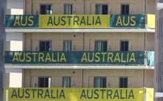 Thất vọng, VĐV Úc phá 'banh phòng', gây náo loạn trên chuyến bay về nước