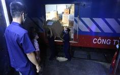 8 tấn trang thiết y tế từ Hà Nội đến ga Sài Gòn trong đêm