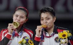 Đôi nữ Indonesia giành HCV cầu lông được thưởng 1 ngôi nhà, 5 con bò
