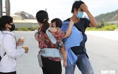 Bất chấp quy định 'ai ở đâu, ở yên đó', 23 người từ TP.HCM vẫn thuê xe về Huế