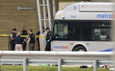 Mỹ: Một cảnh sát bị đâm chết, Lầu Năm Góc phong tỏa