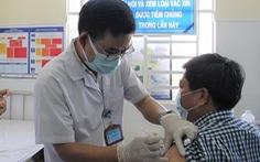 Người dùng thuốc điều trị suy tuyến giáp có nên tiêm vắc xin COVID-19?