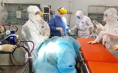 Bác sĩ 3 bệnh viện ở TP.HCM mổ bắt con cho nữ bác sĩ mắc COVID-19 nguy kịch