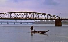 """Trường Tiền - chuyện chưa kể cây cầu lịch sử - Kỳ 5: Trả """"chiếc lược ngà"""" cho Hương giang"""