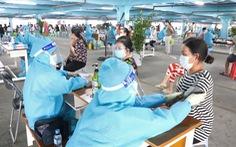 HỎI - ĐÁP về dịch COVID-19: TP.HCM tổ chức tiêm ra sao khi cạn vắc xin?