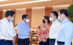 Thủ tướng tiếp tục đối thoại với doanh nghiệp để tháo gỡ khó khăn