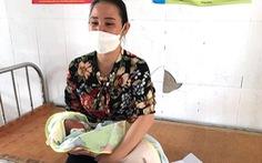 Bé gái 2 ngày tuổi bị bỏ rơi trước cửa nhà dân