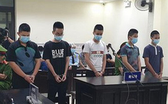 6 thiếu niên lãnh án tù vì giả dân quân chống dịch để cưỡng đoạt tiền của dân