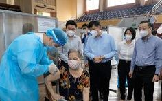 Bộ trưởng Bộ Y tế: 'Kỳ vọng đến 15-9, 100% người trên 18 tuổi ở Hà Nội được tiêm vắc xin'