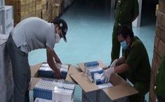 Thu giữ hàng ngàn hộp thuốc nhập lậu được quảng cáo để điều trị COVID-19