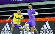 Đội tuyển futsal Việt Nam làm quen với sân thi đấu chính thức, sẵn sàng đối đầu Brazil