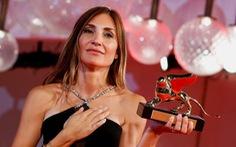 Phim về trải nghiệm phá thai đau đớn giành Sư tử vàng tại Liên hoan phim Venice
