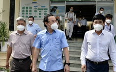 Bí thư Nguyễn Văn Nên: 'Củng cố lực lượng y tế, tính luôn giải pháp bổ sung lực lượng'