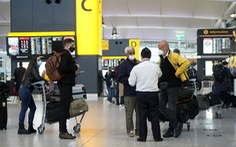 Sân bay Heathrow kêu gọi Chính phủ Anh thay đổi các quy định đi lại