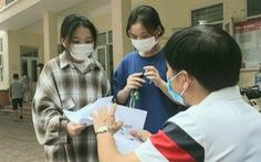 Tiền hỗ trợ đến với sinh viên nghèo, lao động không tạm trú ở Hà Nội