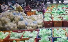 Heo, dê, gà vịt, rau trái... các nơi đang ứ đọng nhiều không kể xiết, giá rớt mạnh