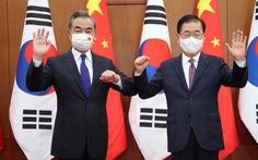 Ngoại trưởng Trung Quốc chỉ trích Mỹ, bảo vệ Triều Tiên ngay tại Hàn Quốc
