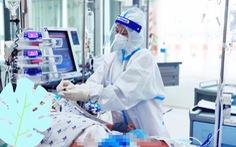 Vừa hết COVID-19, bé gái 6 tuổi bị sốc sốt xuất huyết nặng, suy hô hấp