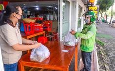 Thí điểm đi lại, mua bán ở vùng xanh: Dân dè dặt, kiểm soát vẫn chặt