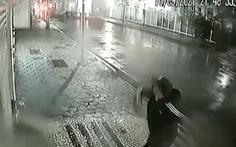 Tổng lãnh sự quán Trung Quốc tại Brazil bị ném thiết bị nổ