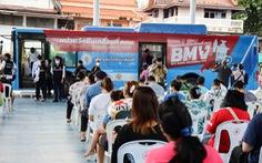 Thái Lan tăng tốc phủ vắc xin 50% dân số, người dân học sống chung với virus