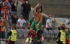 Ronaldo lập kỷ lục ghi bàn mới, Bồ Đào Nha 'lội ngược dòng' nghẹt thở trước CH Ireland